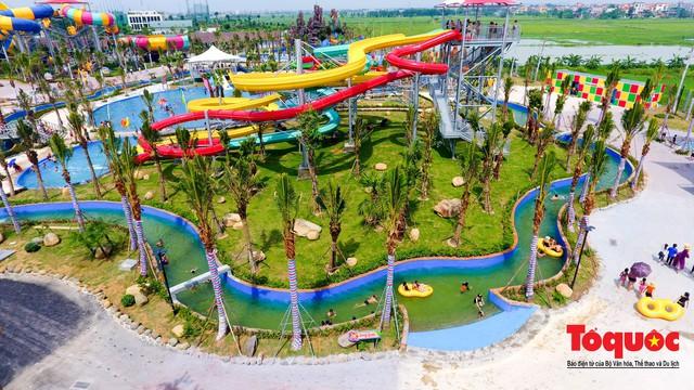 Người dân Thủ đô đổ xô công viên nước để giải nhiệt ngày nắng nóng đỉnh điểm - Ảnh 17.