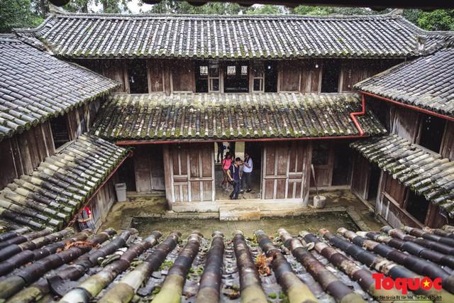 Bộ VHTTDL lên tiếng vụ đóng cửa Dinh thự họ Vương : Tất cả các di tích lịch sử văn hóa, danh lam thắng cảnh, các thiết chế văn hóa nói chung phải luôn được mở cửa để phục vụ người dân - Ảnh 1.