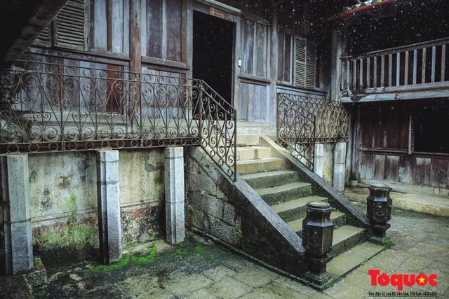 Bộ VHTTDL lên tiếng vụ đóng cửa Dinh thự họ Vương : Tất cả các di tích lịch sử văn hóa, danh lam thắng cảnh, các thiết chế văn hóa nói chung phải luôn được mở cửa để phục vụ người dân - Ảnh 2.