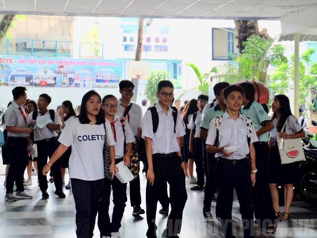 TP. Hồ Chí Minh công bố điểm thi vào lớp 10 THPT năm học 2019-2020 - Ảnh 1.
