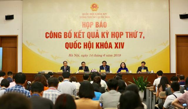 """Tổng Thư ký Quốc hội: """"Tai nạn giao thông diễn biến phức tạp, Quốc hội không thể thờ ơ với Luật Phòng, chống tác hại rượu bia"""" - Ảnh 2."""