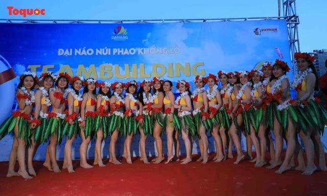 Hàng trăm người đẹp mặc bikini nhảy flashmob trên bãi biển Đà Nẵng  - Ảnh 14.