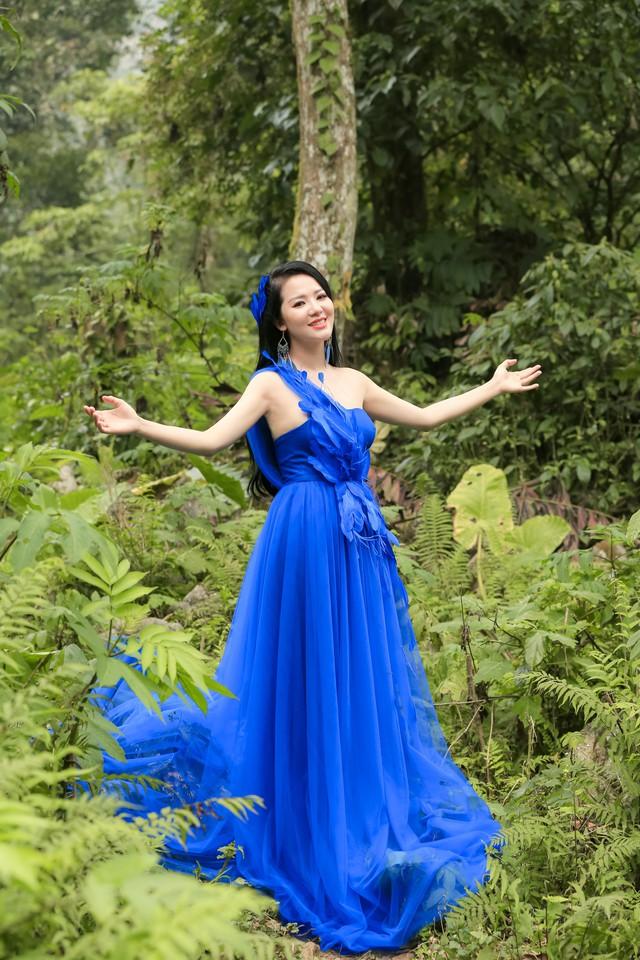 Dương Cầm khuyên ca sĩ Phạm Thuỳ Dung cần mạo hiểm trong âm nhạc - Ảnh 1.