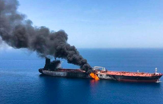 Iran soi quá khứ suy ra chủ mưu vụ tấn công tàu chở dầu Vịnh Oman - Ảnh 1.