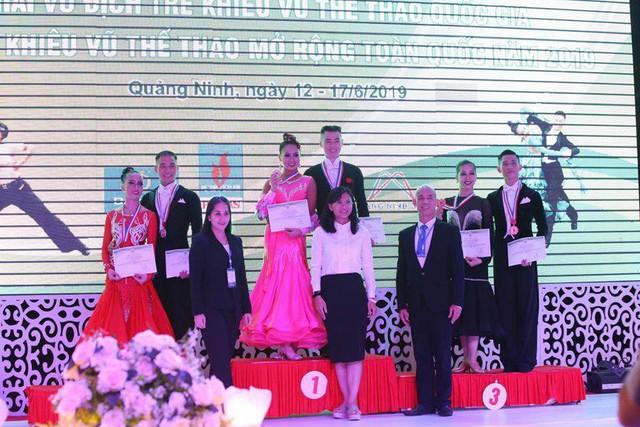 Hơn 300 bộ huy chương được trao tại Giải vô địch trẻ khiêu vũ thể thao Quốc gia - Ảnh 2.