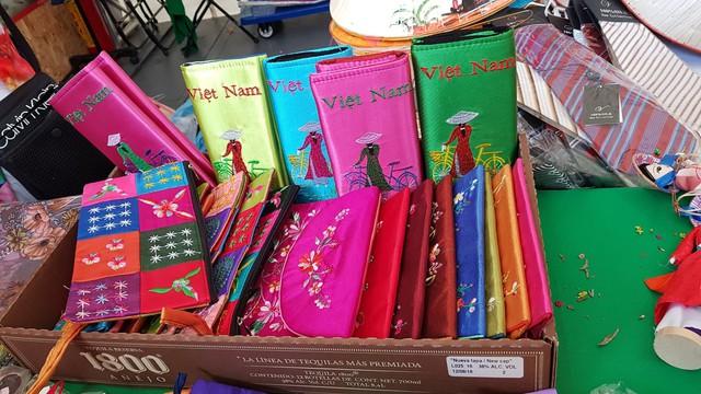 Ấn tượng Việt Nam tại Hội chợ quốc tế các nền văn hóa bạn bè - Ảnh 8.