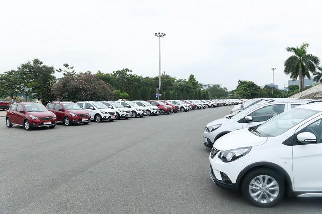 Vinfast giao 650 xe Fadil tới khách hàng trong 1 ngày - Ảnh 2.