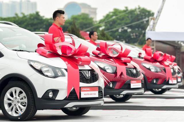 Vinfast giao 650 xe Fadil tới khách hàng trong 1 ngày - Ảnh 4.