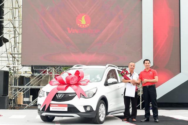 Vinfast giao 650 xe Fadil tới khách hàng trong 1 ngày - Ảnh 8.