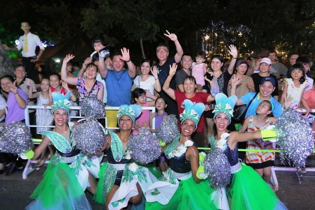 Đà Nẵng cuồng nhiệt trong Carnival đường phố DIFF 2019 tối 16/6 - Ảnh 10.