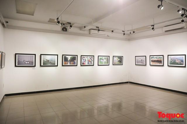 Triển lãm ảnh Dấu ấn 2: Trưng bày 100 bức ảnh báo chí ấn tượng kỷ niệm ngày Báo chí Việt Nam 21/6 - Ảnh 1.