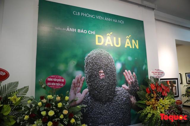 Triển lãm ảnh Dấu ấn 2: Trưng bày 100 bức ảnh báo chí ấn tượng kỷ niệm ngày Báo chí Việt Nam 21/6 - Ảnh 2.
