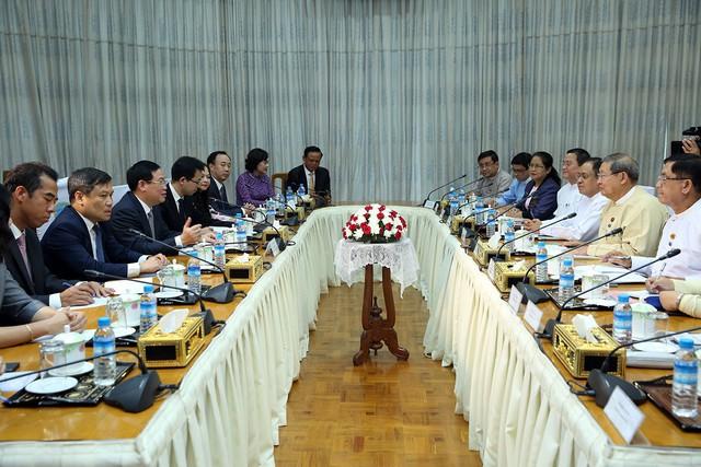 Phó Thủ tướng Vương Đình Huệ tiếp Bộ trưởng Kế hoạch và Tài chính Myanmar - Ảnh 2.