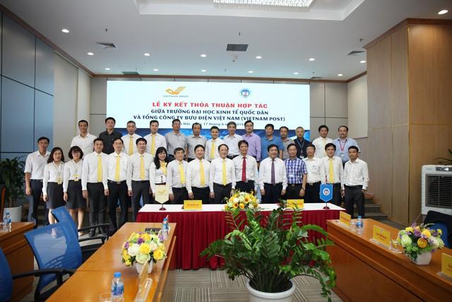 """Sinh viên Đại học Kinh tế Quốc dân sẽ được nhận học bổng """"VIETNAM POST - Đồng hành cùng Sinh viên"""" - Ảnh 3."""