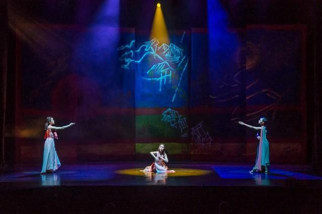 Biên đạo múa Hàn Quốc tiếp tục đưa truyện Kiều lên sân khấu - Ảnh 1.