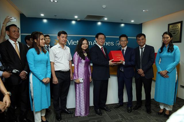 Phó Thủ tướng Vương Đình Huệ động viên các doanh nghiệp Việt Nam ở Myanmar   - Ảnh 7.