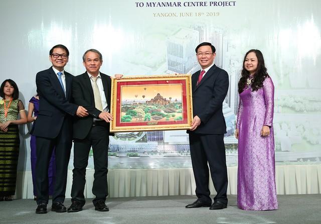 Phó Thủ tướng Vương Đình Huệ động viên các doanh nghiệp Việt Nam ở Myanmar   - Ảnh 8.