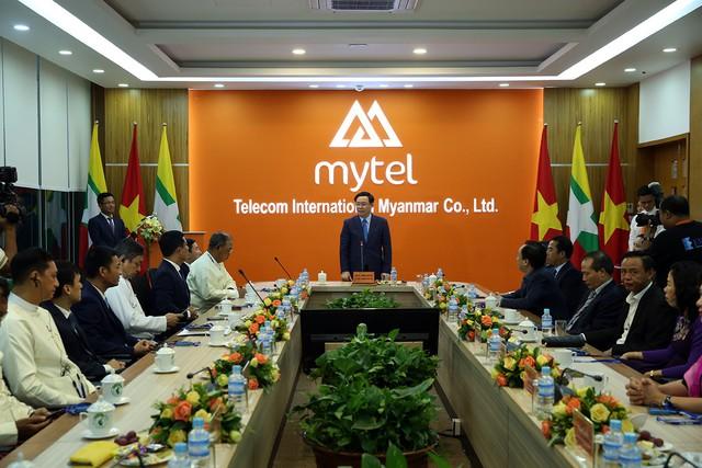 Phó Thủ tướng Vương Đình Huệ thăm Đại sứ quán Việt Nam tại Myanmar - Ảnh 3.