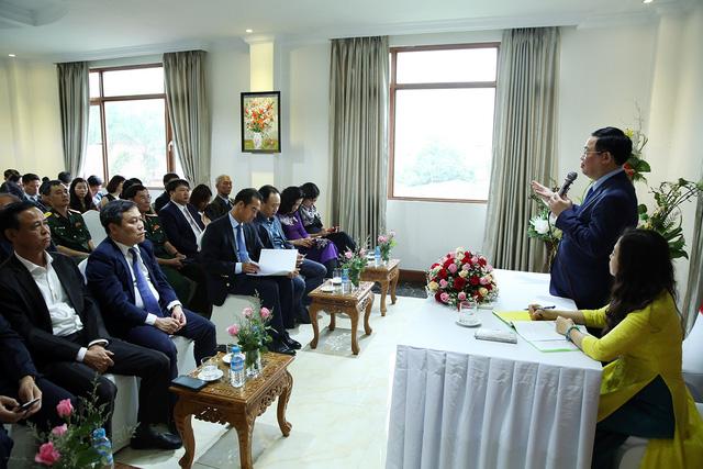Phó Thủ tướng Vương Đình Huệ thăm Đại sứ quán Việt Nam tại Myanmar - Ảnh 2.