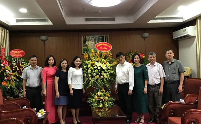 Thứ trưởng Trịnh Thị Thủy chúc mừng Ban Tuyên giáo Trung ương nhân Ngày Báo chí cách mạng Việt Nam - Ảnh 1.