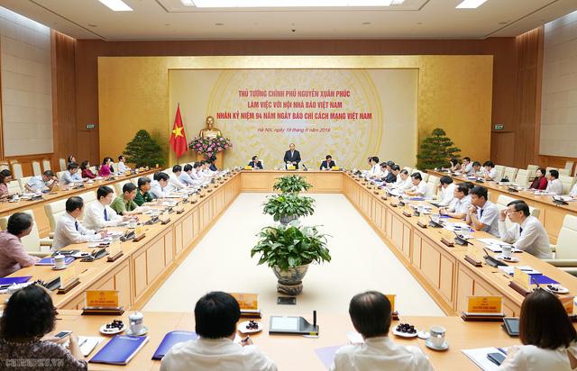 Thủ tướng đề nghị báo chí phải đi đầu trong những vấn đề lớn, vấn đề mới của đất nước - Ảnh 2.