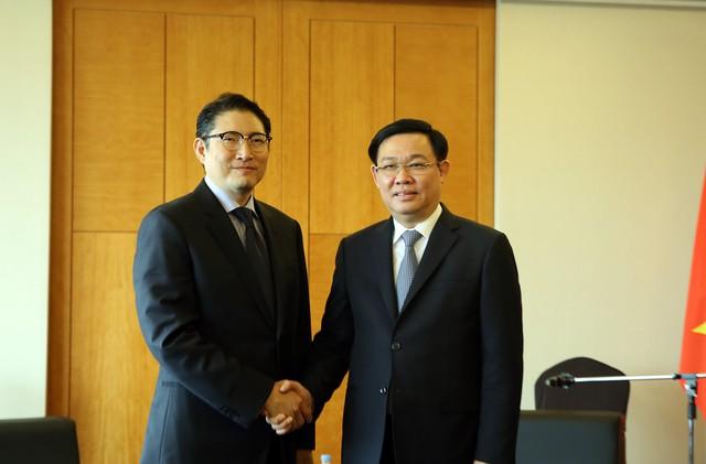 Phó Thủ tướng Vương Đình Huệ làm việc với các Tập đoàn Hàn Quốc đầu tư hàng tỷ USD tại Việt Nam - Ảnh 1.