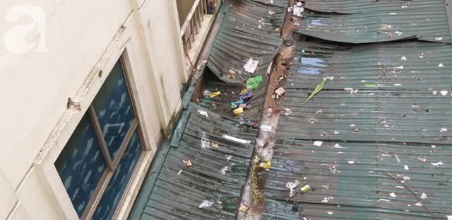 Hà Nội: Bé gái 6 tuổi rơi từ tầng 14 chung cư xuống mái tôn lúc mẹ vắng nhà đã tử vong - Ảnh 1.