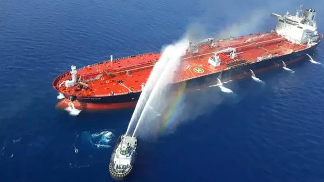 Hậu tấn công tàu chở dầu, bất ngờ châu Âu rơi thế hiểm trước Iran - Ảnh 1.
