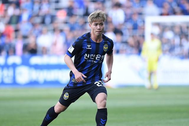 Incheon United bất ngờ kết thúc hợp đồng sớm với Công Phượng - Ảnh 1.