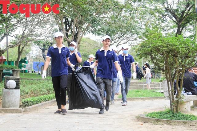 Thủ tướng biểu dương phong trào Ngày chủ nhật xanh của Thừa Thiên Huế - Ảnh 1.