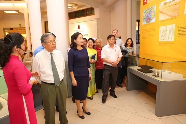 Chiêm ngưỡng hơn 100 hiện vật độc nhất vô nhị về lịch sử Quốc hiệu và Kinh đô Việt - Ảnh 3.