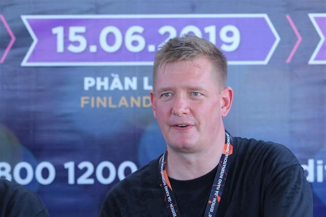 Đội Anh hứa hẹn gây bất ngờ với 700 quả pháo nước trong đêm thứ tư DIFF 2019 - Ảnh 3.