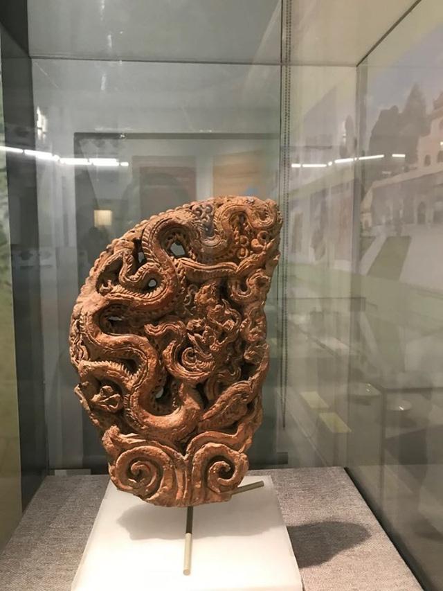 Ngắm sách vàng, kiếm vàng và các bảo vật quốc gia tại Bảo tàng lịch sử - Ảnh 4.