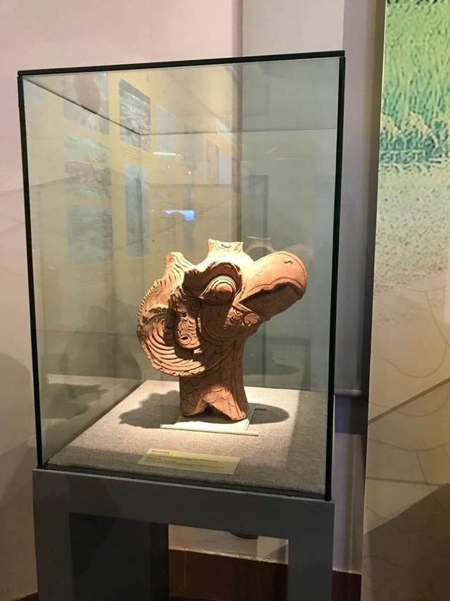 Ngắm sách vàng, kiếm vàng và các bảo vật quốc gia tại Bảo tàng lịch sử - Ảnh 5.