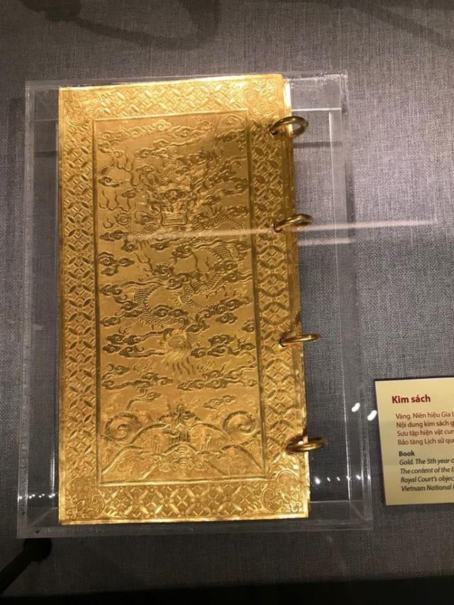Ngắm sách vàng, kiếm vàng và các bảo vật quốc gia tại Bảo tàng lịch sử - Ảnh 8.
