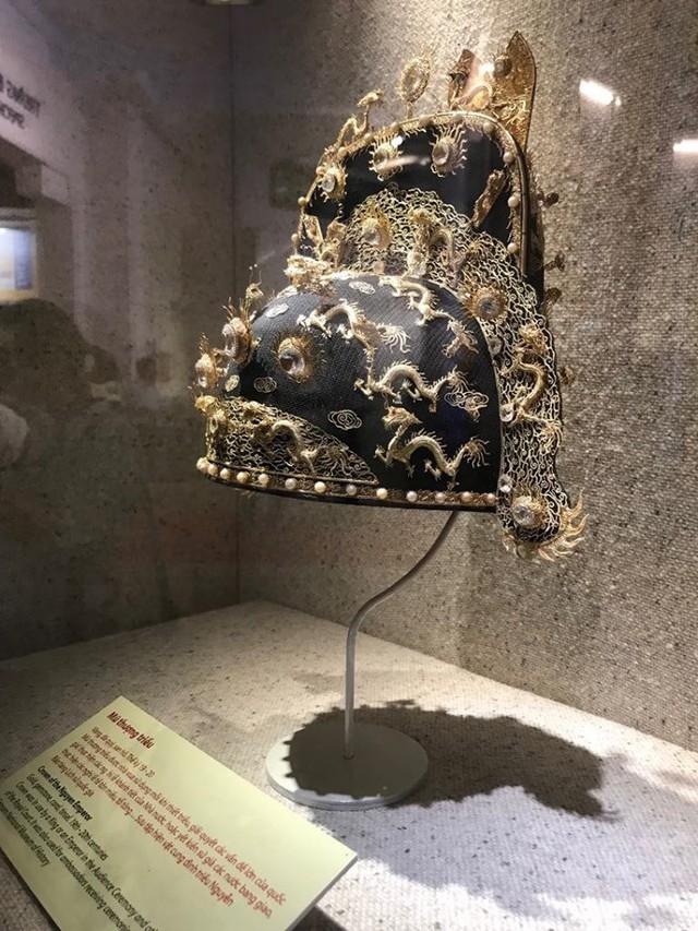 Ngắm sách vàng, kiếm vàng và các bảo vật quốc gia tại Bảo tàng lịch sử - Ảnh 11.