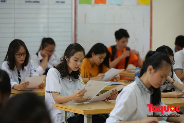 Hà Nội: Hơn 74.000 thí sinh làm thủ tục dự thi THPT Quốc gia 2019 - Ảnh 8.