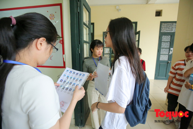 Hà Nội: Hơn 74.000 thí sinh làm thủ tục dự thi THPT Quốc gia 2019 - Ảnh 5.