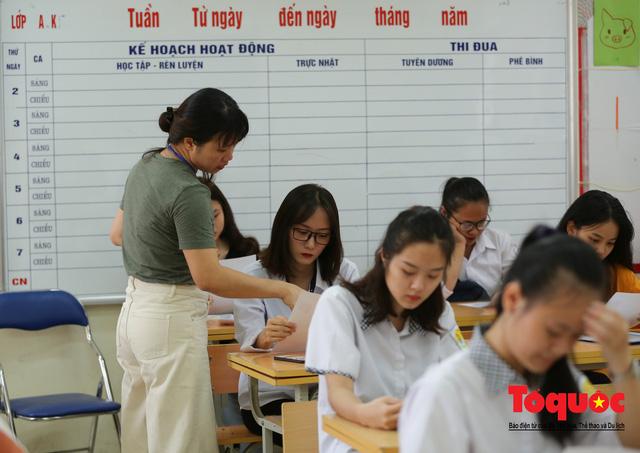 Hà Nội: Hơn 74.000 thí sinh làm thủ tục dự thi THPT Quốc gia 2019 - Ảnh 9.