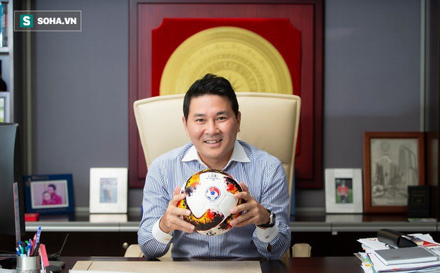 Nhắn gửi Bầu Đức: Bóng đá đang tốt lên, ông đừng để người hâm mộ nhìn cảnh nồi da xáo thịt vốn đã quá quen thuộc của bóng đá Việt Nam từ những năm trước - Ảnh 1.