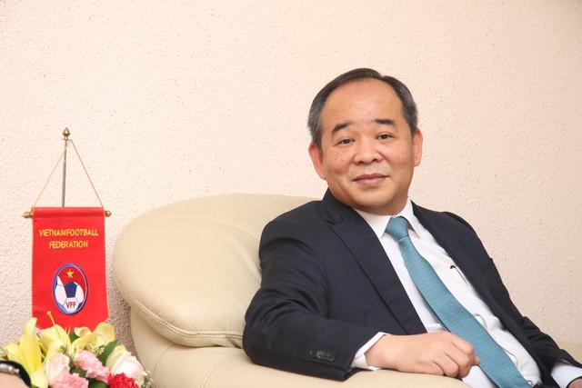 """Chủ tịch VFF Lê Khánh Hải: """"Việc rút lui của ông Cấn Văn Nghĩa không ảnh hưởng đến hoạt động của VFF"""" - Ảnh 1."""