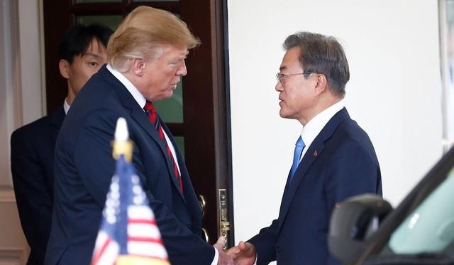 Nguy cơ khủng hoảng tình báo Triều Tiên, Hàn Quốc bế tắc trước sức ép Mỹ - Ảnh 2.