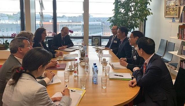 Việt Nam và EU chốt ngày ký hiệp định EVFTA vào 30/6 - Ảnh 1.