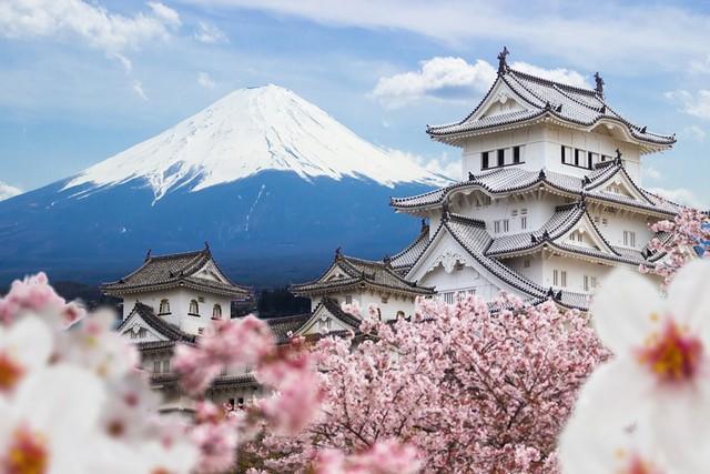 """Nhật Bản """"đau đầu"""" vì... du lịch phát triển mạnh - Ảnh 1."""