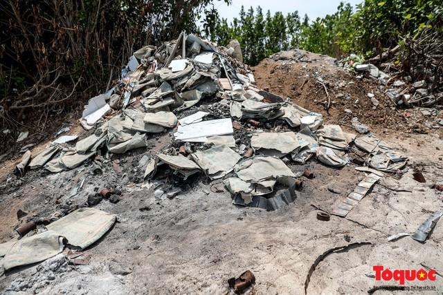 Bờ biển Lý Sơn vẫn ngập rác thải sau nhiều năm nỗ lực xử lý - Ảnh 8.