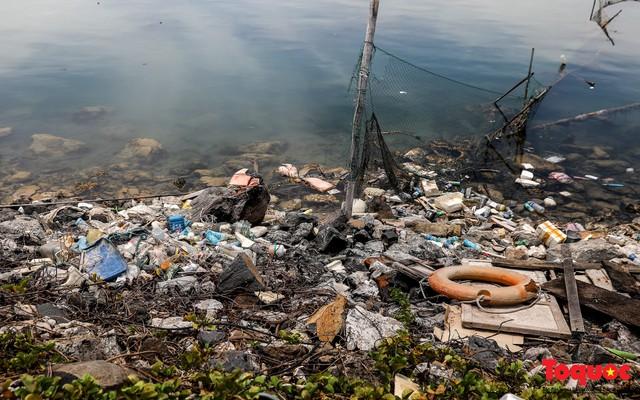 Bờ biển Lý Sơn vẫn ngập rác thải sau nhiều năm nỗ lực xử lý - Ảnh 11.