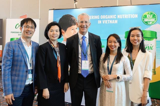Vinamilk là đại diện duy nhất của châu Á trình bày về xu hướng organic tại Hội nghị sữa toàn cầu 2019 tại Bồ Đào Nha - Ảnh 4.