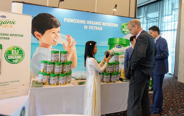 Vinamilk là đại diện duy nhất của châu Á trình bày về xu hướng organic tại Hội nghị sữa toàn cầu 2019 tại Bồ Đào Nha - Ảnh 5.