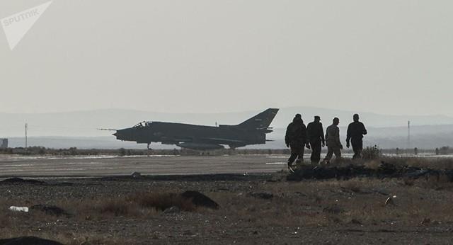 Chảo lửa Syria bị giáng thêm không kích và hỏa lực dữ dội - Ảnh 1.