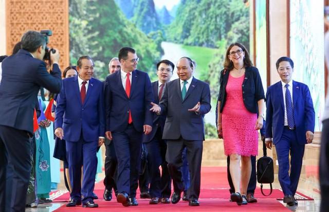 Chính thức ký Hiệp định thương mại EVFTA: Cú hích làn sóng đầu tư từ EU vào Việt Nam  - Ảnh 1.